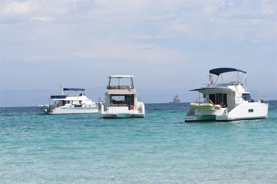 fountaine-pajot-motor-yachts-porquerolles-2
