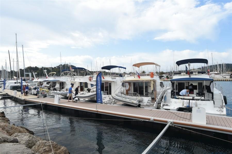 fountaine-pajot-motor-yachts-porquerolles-4
