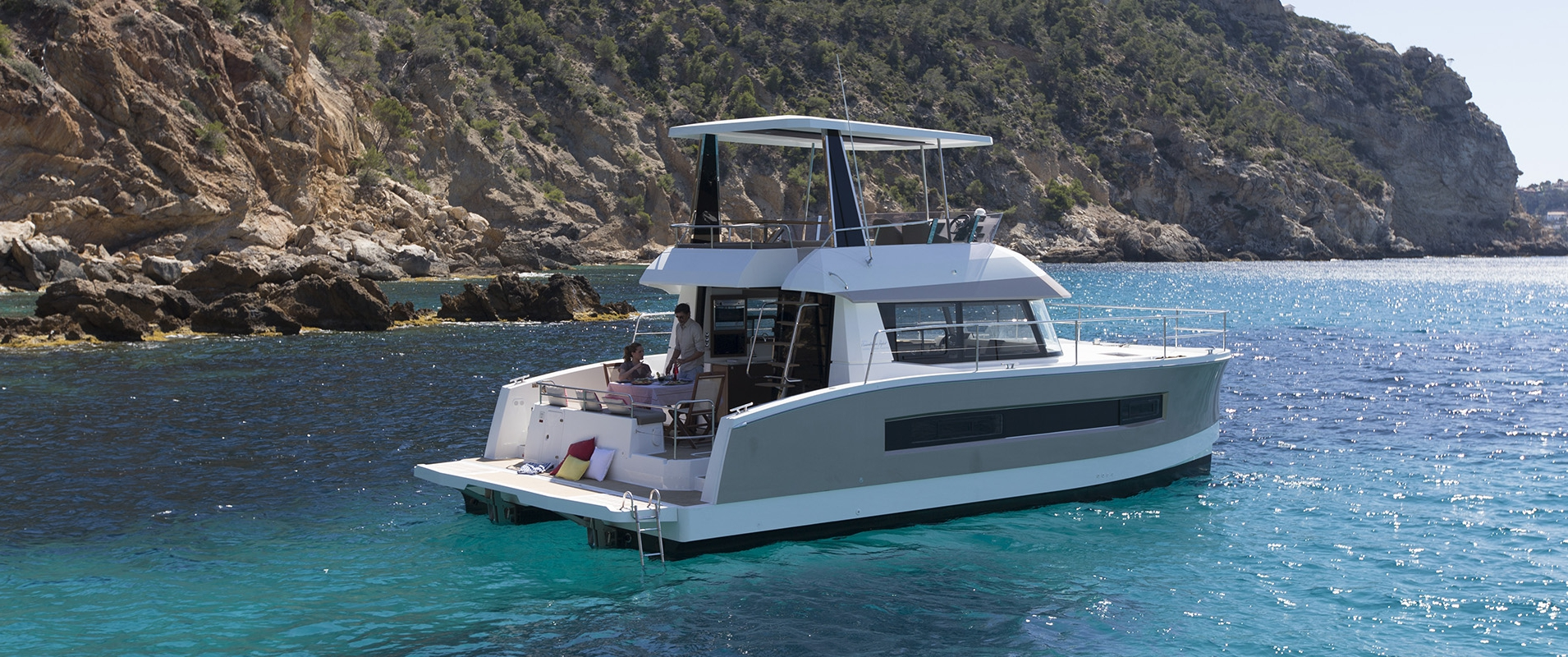 Motor Yacht My 37 Fountaine Pajot