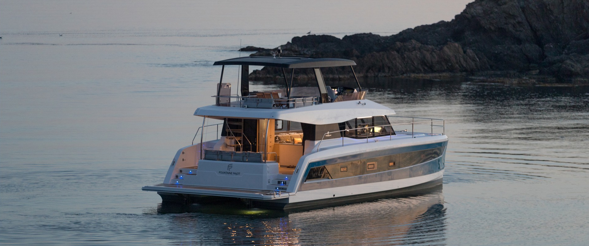 Power Catamaran My 44 Fountaine Pajot