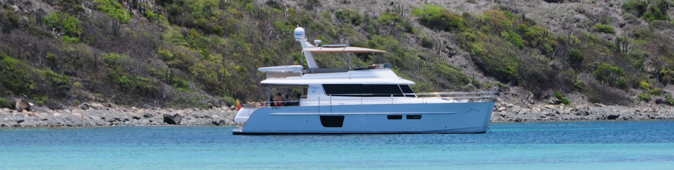 catamaran yacht MY 55