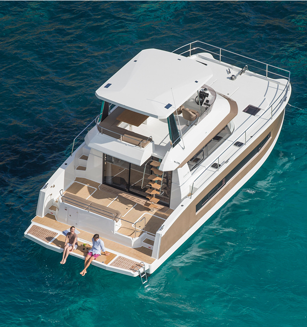 Motor Yachts My 37 Fountaine Pajot
