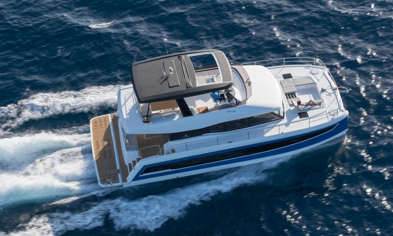 Power Catamarans My 44 Fountaine Pajot
