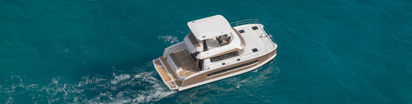 Photo-Motor-Yacht-Catamaran-MY-37-Fountaine-Pajot