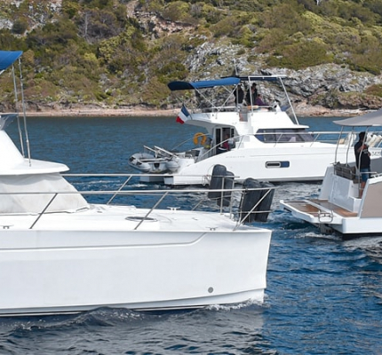 Owners-cruising-Motor-Yachts-Fountaine-Pajot
